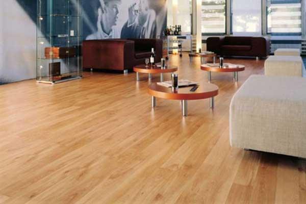 sàn gỗ công nghiệp tại phòng khách